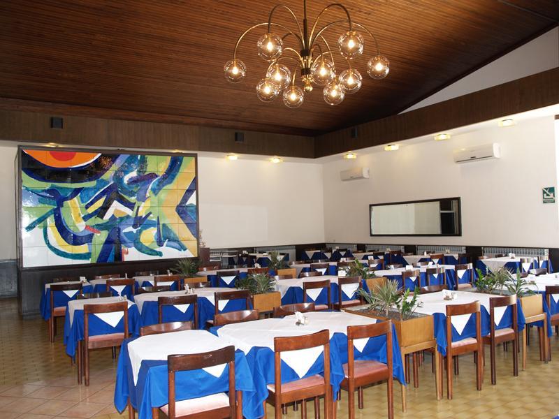 Hotel i paviljoni Ad Turres 2**