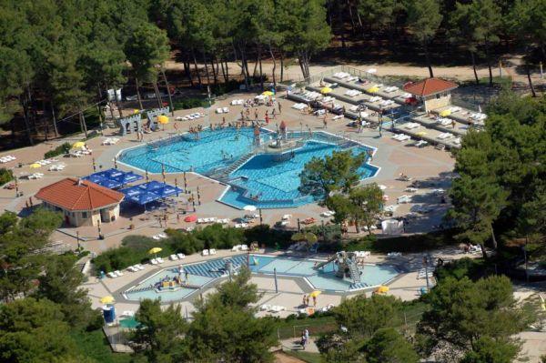 Apartmansko naselje Zaton Holiday Resort 3/4***