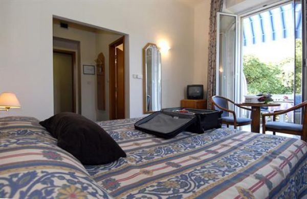 Hotel Komodor 3***
